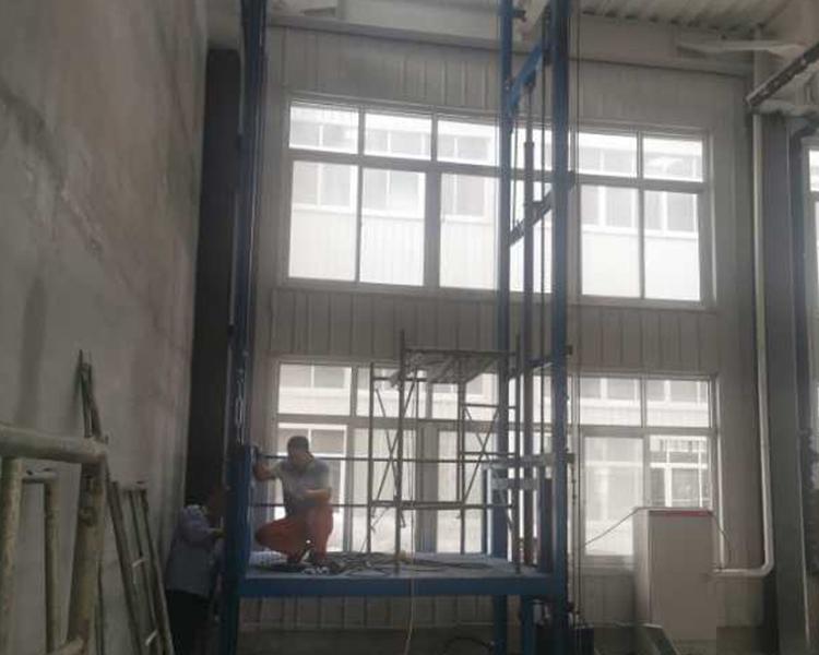 升降机货梯
