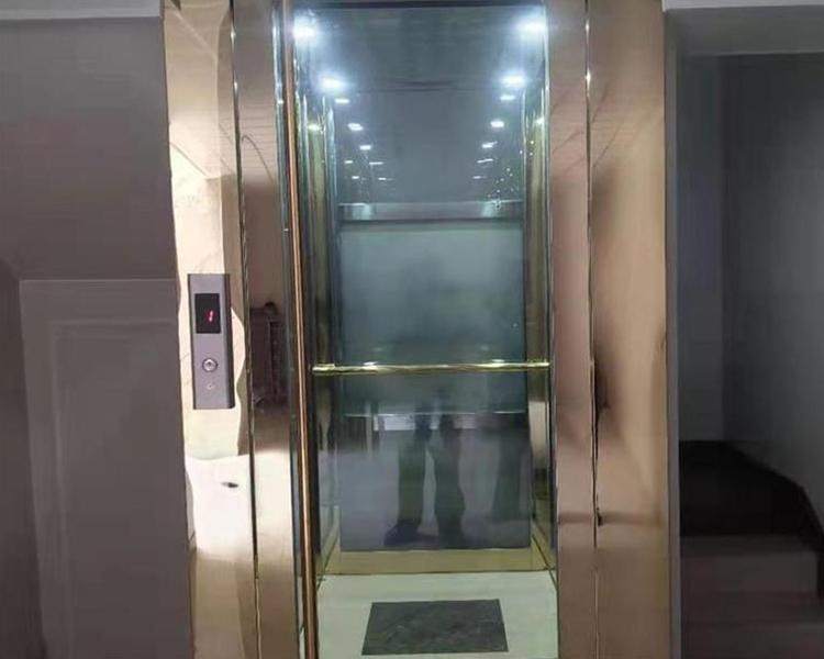 楼梯式电梯